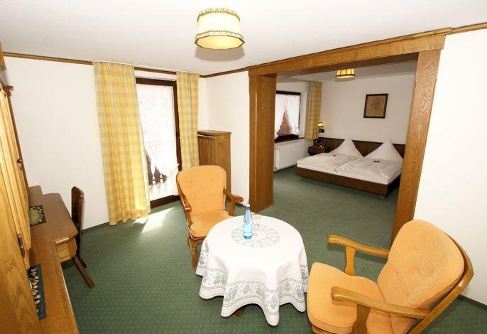 Hotel-Restaurant SchöpPerle, (Häusern), LHS04983