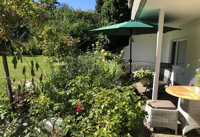 Terrasse & Garten (Westblick)