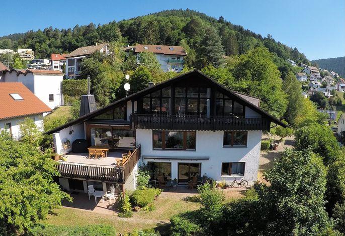 Herzlich willkommen im Haus Höhneck!
