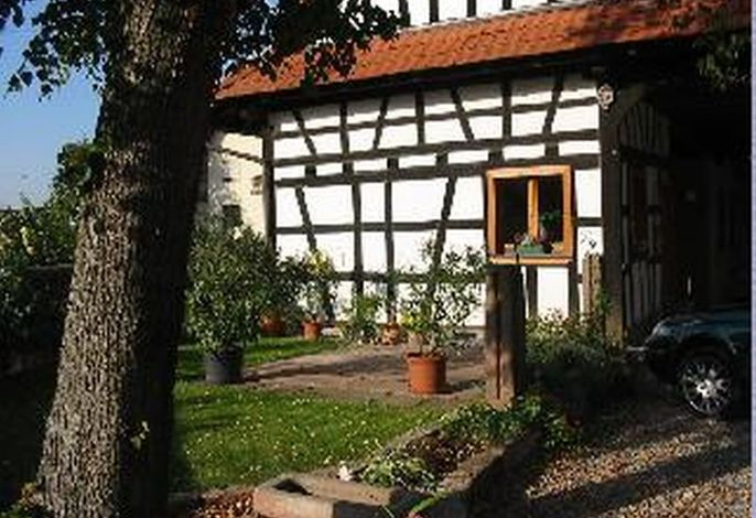 Garten und Stellplatz