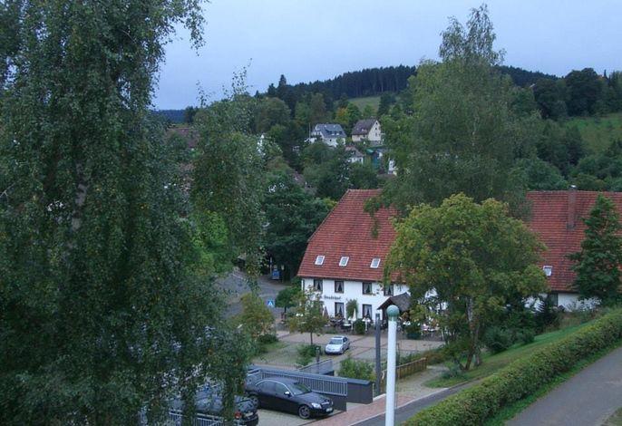 Blick aus dem Haus zum Ortskern