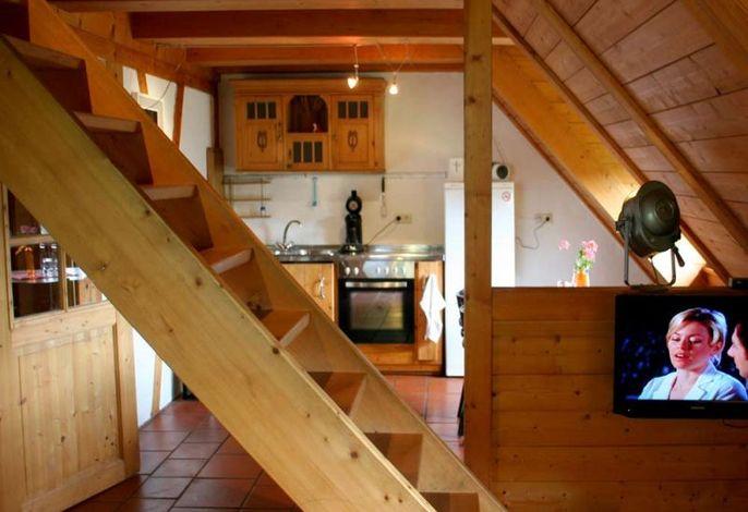 Wohnbereich mit Sicht zur Küche