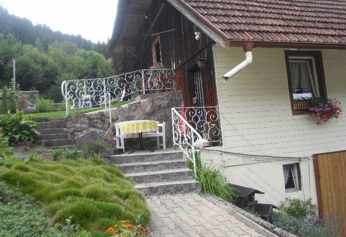 Whg3_Terasse_Eingang_Sommer_Gästehaus Brigitte Kienzler