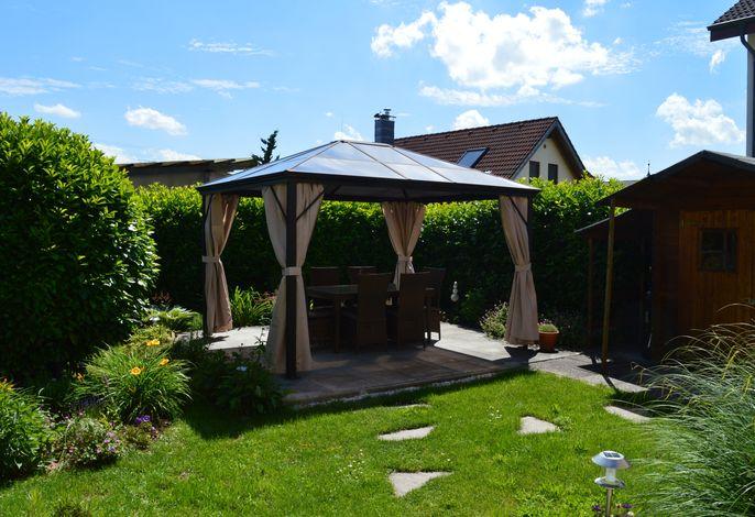 Garten / Pavillon