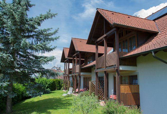 Liegewiese, Terrassen und Balkone