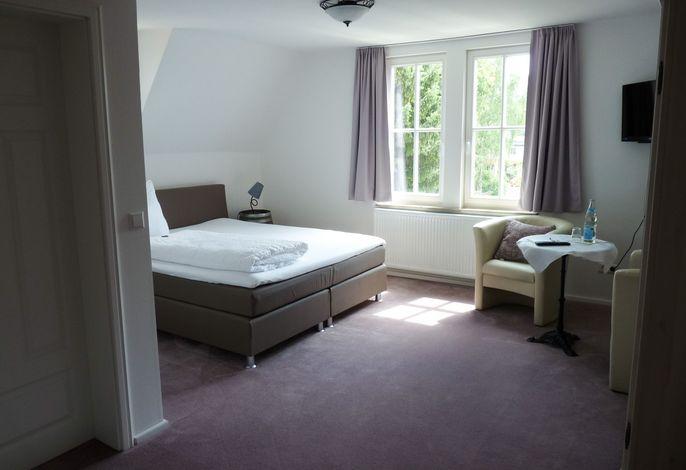 Zimmer 5 im OG mit schönem Blick zur Burg Hohenzollern