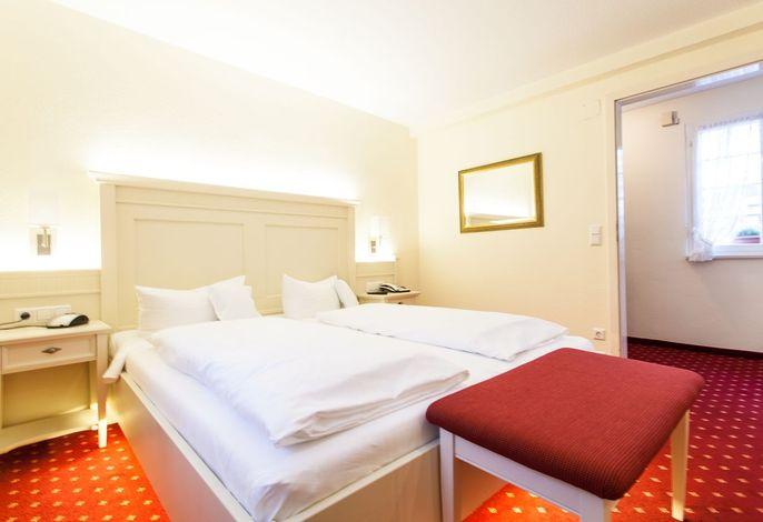 Romantik Hotel & Restaurant Zur Sonne, (Badenweiler), LHS00276