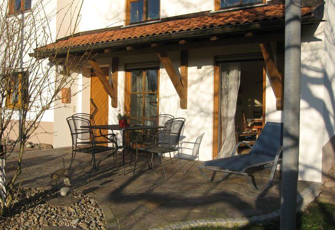 Terrasse mit Eingangstür - Ausrichtung Westen