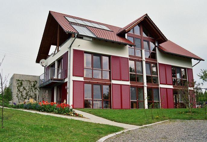 Unser Gästehaus Wohnungen Himbeere und Kirsche