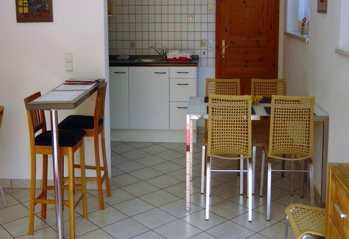 Wohnzimmer, Küche und 2 Betten