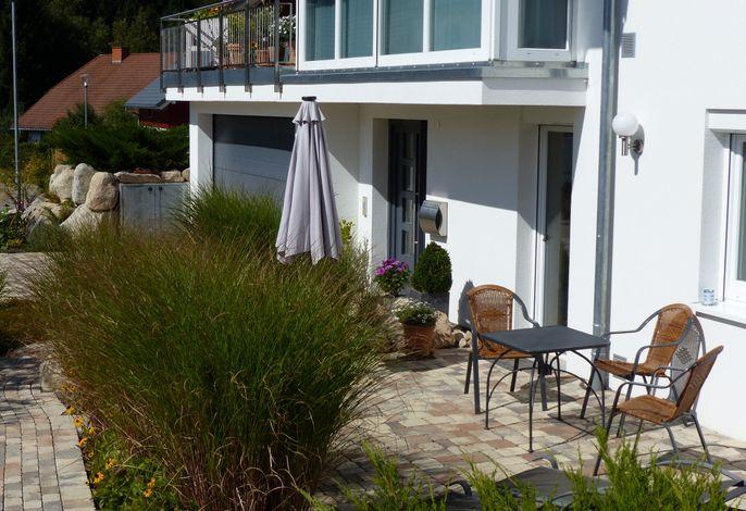 Blick auf die Terrasse der Ferienwohnung
