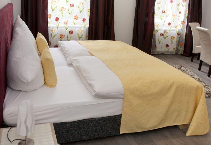 Komfort-Doppelzimmer 18 qm, TV, Bad mit Dusche, WC, Föhn