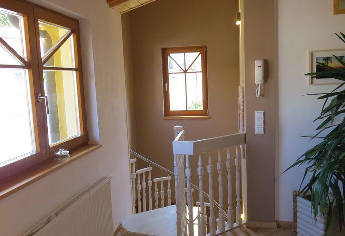 Eingangsbereich vom Turm zutritt in die Küche/ Esszimmer
