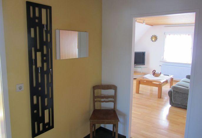 Diele mit Blick zum Wohnzimmer