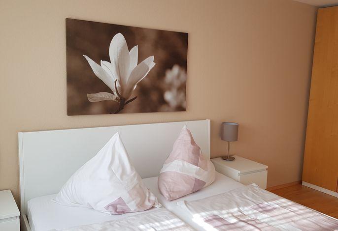 gr.Schlafzimmer/Bett 180cm x 200cm