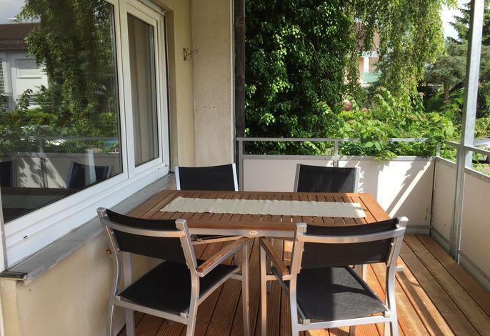 Balkon mit Essplatz/Überdacht
