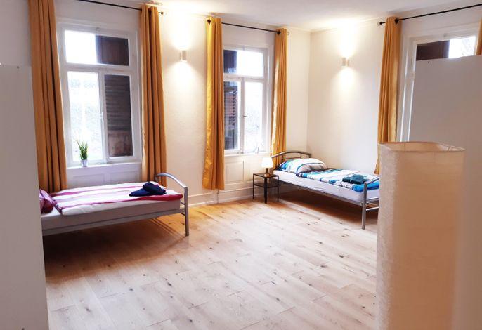 Ferienwohnungen Metzingen mit Balkon (BW16, BW17), (Metzingen), LHS 07804 Neu