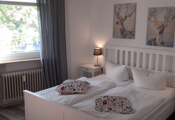 Beispiel: modernes Doppelzimmer, auch für 3 Personen/Kinder/Jugendliche möglich