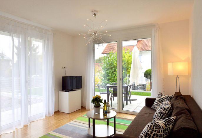 F2-Wohnbereich-Balkon_1200x800px.jpg