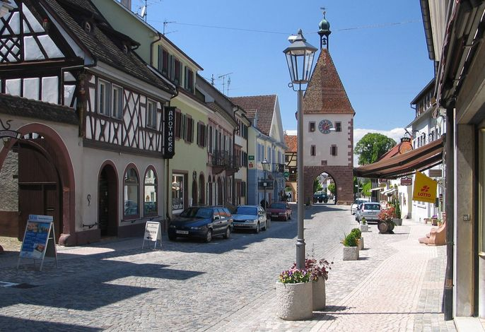 Blick_Hauptstr._Stadttor.jpg