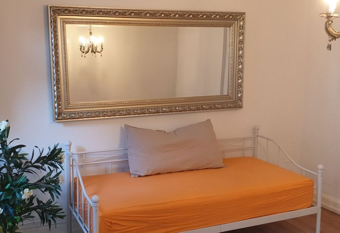 Beautiful, centrally located apartment with roof terrace & WiFi, (Bonn), LHS 07798 Neu
