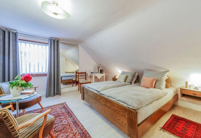 Gästehaus Sandvoss, (Titisee-Neustadt), LHS 08744