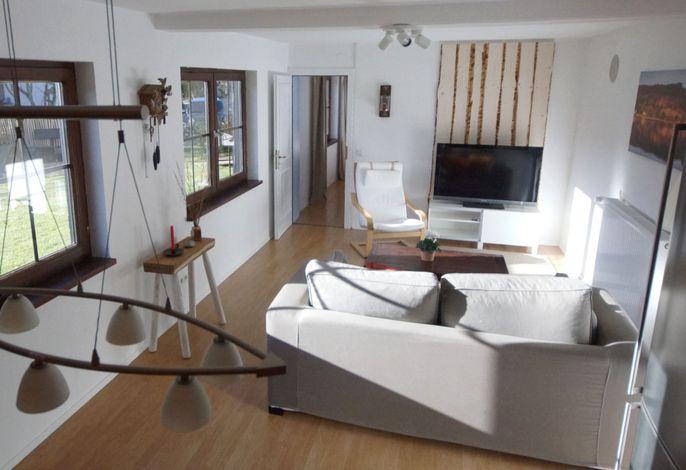 Wohnbereich (Blick Richtung Schlafzimmer)