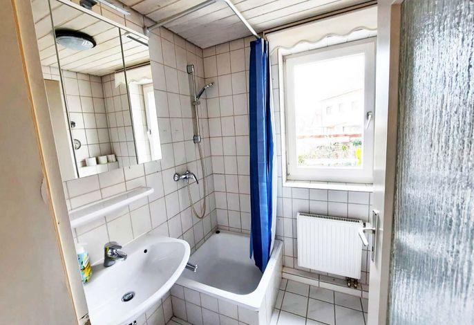 Schöne Ferienwohnung mit 3 Schlafzimmer & WLAN