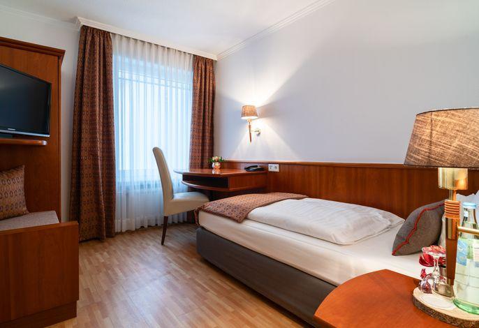 Hotel Engbert, (Oelde)