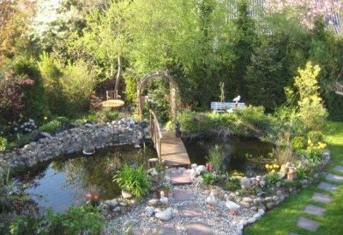Blick auf privaten Garten