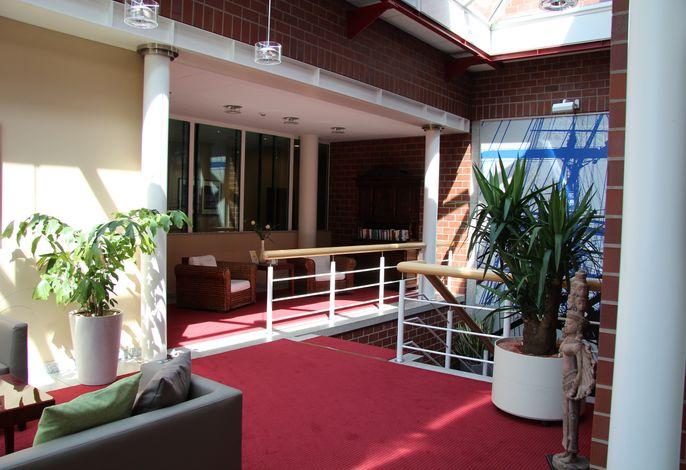 Lobby 1. OG