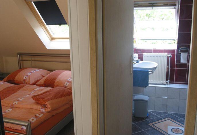 Unterm Dach Duschbad & Schlafzimmer