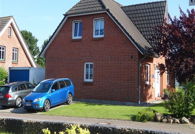 Außenansicht des Hauses - ein Parkplatz ist direkt am Haus für Sie reserviert