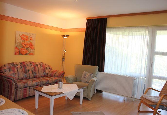 Wohn-/Schlafraum mit Doppelschrankbett