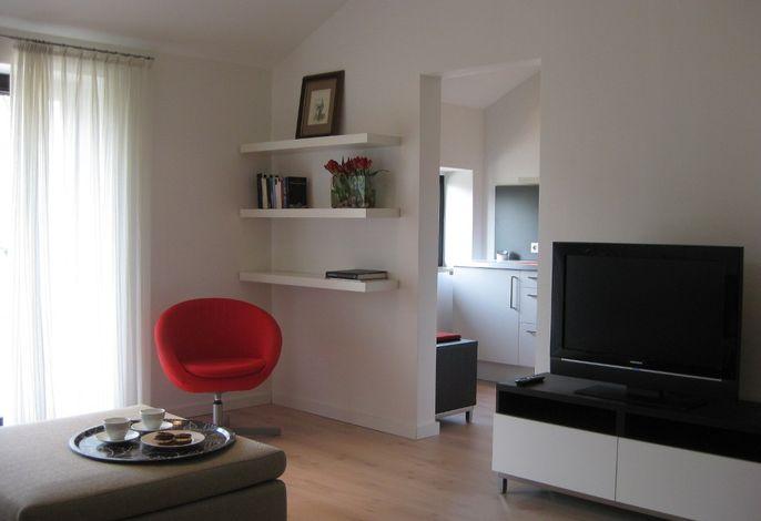 Helle Farben dominieren das Wohnzimmer