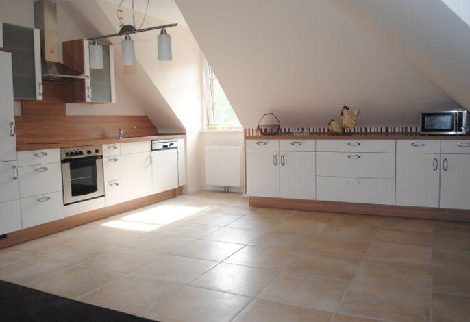 Küchenbereich (damals noch ohne Esstisch)
