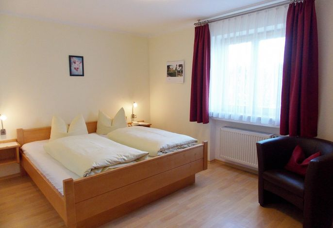 Fewo Hopfensee - Schlafzimmer groß