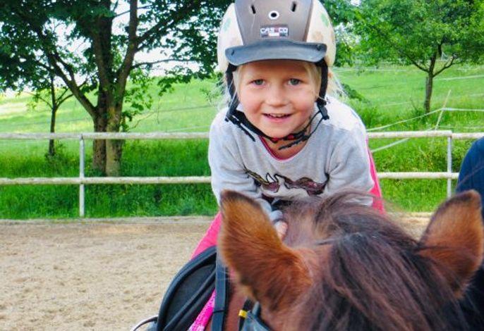 Ponyspass schon für die Kleinsten
