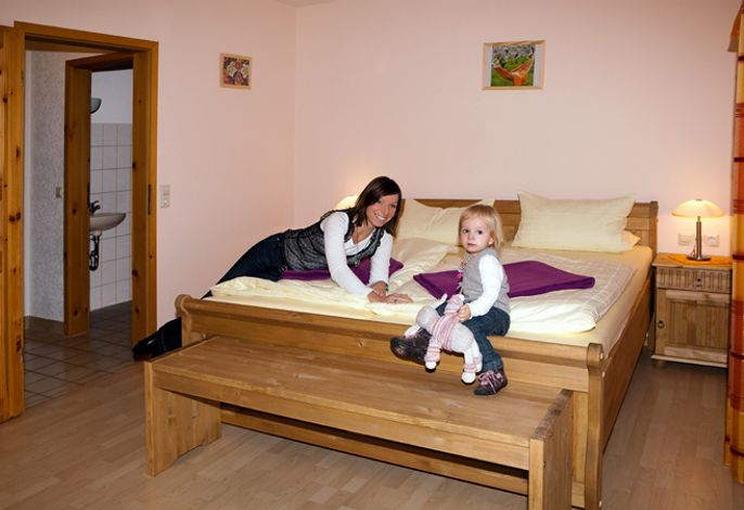 Schlafzimmer Fewo Jakobsbauernhof