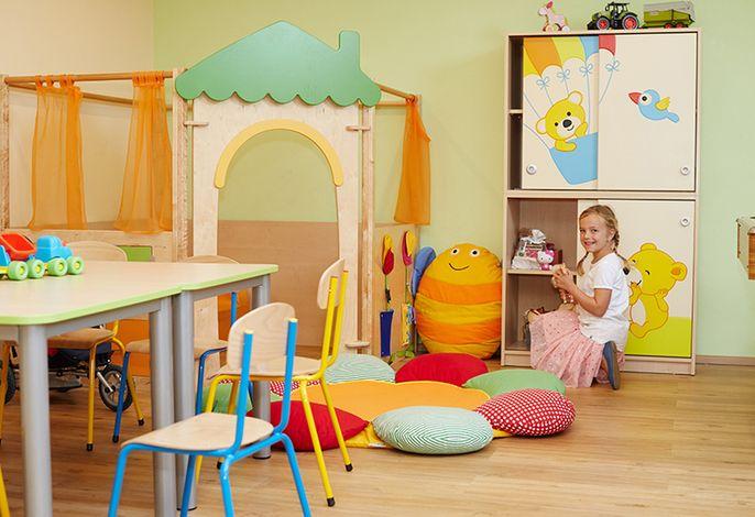 Spielzimmer mit Kleinkindbereich
