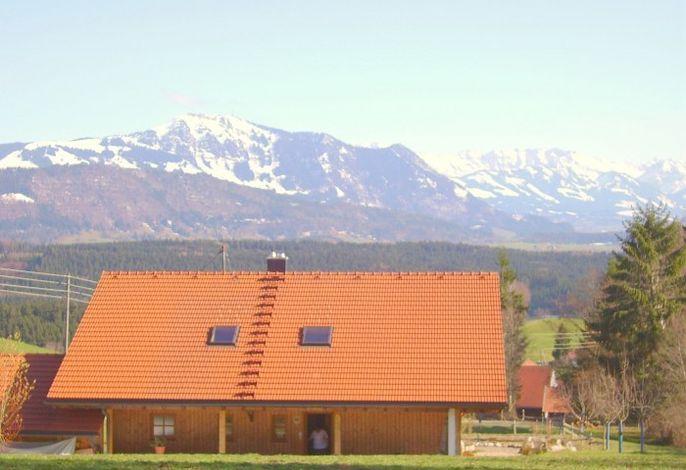 Vorne vom Südbalkon sehen Sie diese Berge