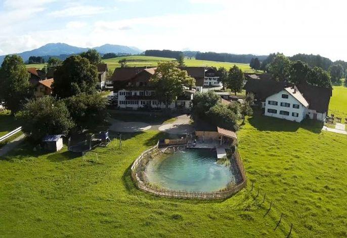 Unser Hof mit Schwimmteich