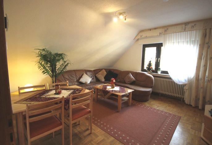 Wohnzimmer: Essecke für 4 Personen