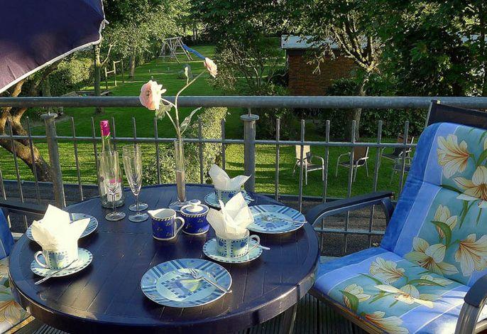Plätzchen unterm Glasdach mit Aussicht, parkähnlicher Garten!