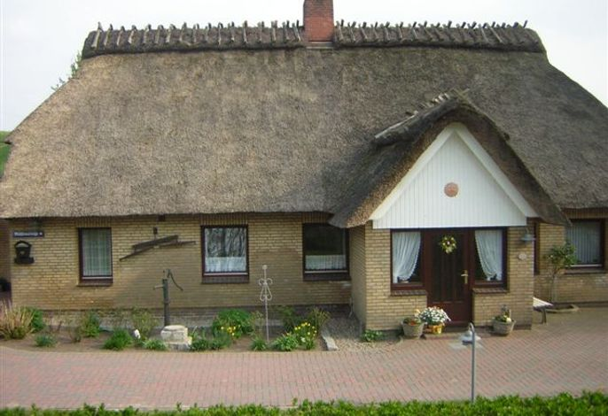 Schickes Reetdachhaus in Grödersby