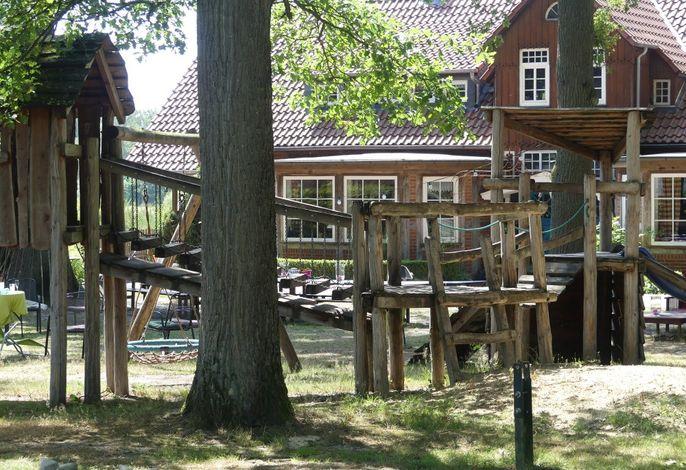 Spielplatz vor dem Ferienhaus