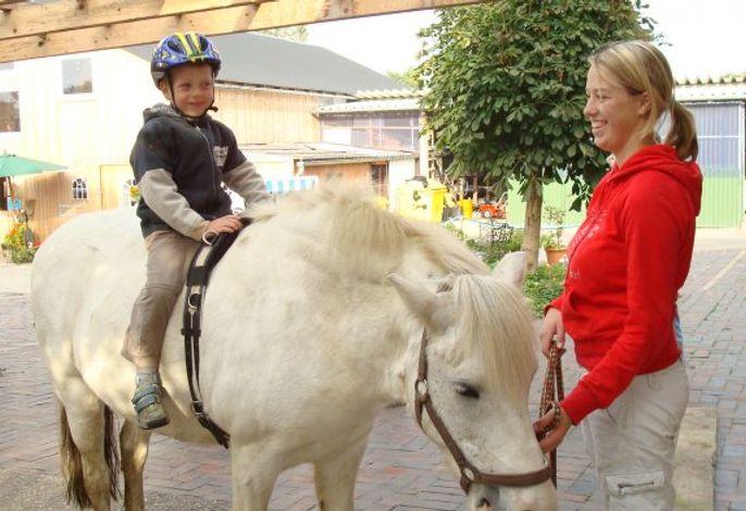 Ponyreiten mit Willy