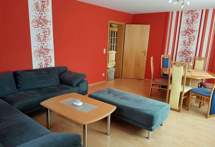 Ferienwohnung im Erdgeschoss: Wohnzimmer