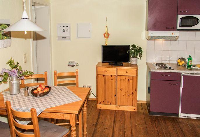 Fewo Hirsch auf dem Reiterhof: Wohnbereich mit Küche