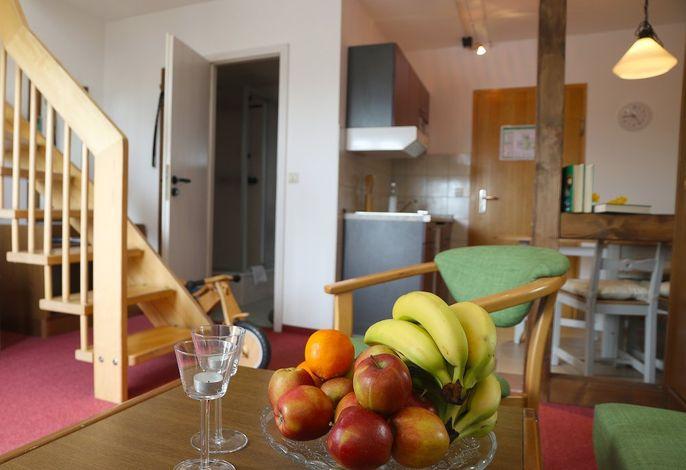 Fewo Ausblick im Landhotel: Wohnraum mit Küche